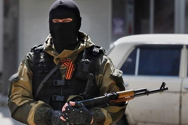 Ополченцы отбили бронетанковую атаку на аэропорт Донецка