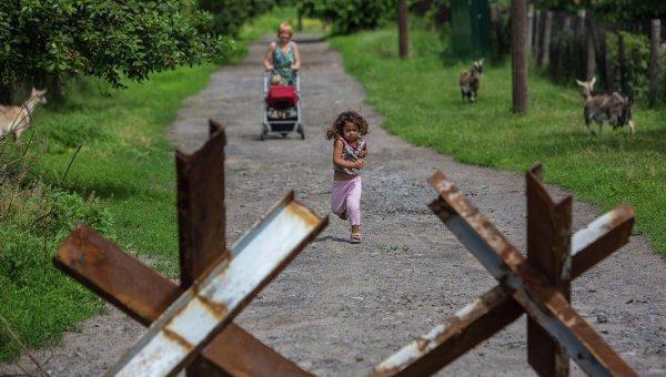 Порошенко насильно отправит украинских детишек в детдома