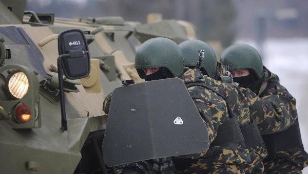 Россия не Америка, своих из пулеметов стрелять не будет