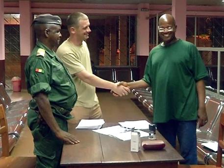Полет в эпицентр Эболы: как военные летчики России спасли жителей Гвинеи