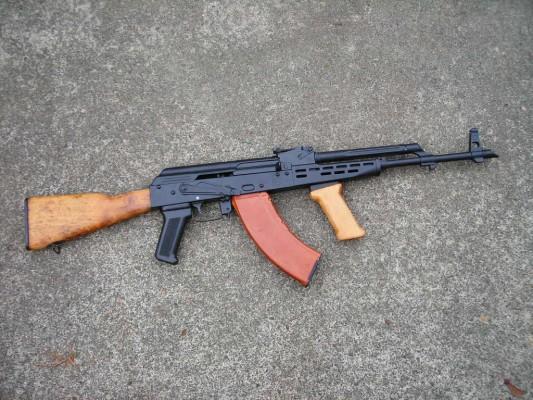 Клоны автомата Калашникова: История модификаций самого популярного оружия в мире