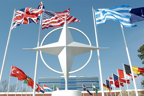 Генсек НАТО напугал своего отца-дипломата войной с Россией