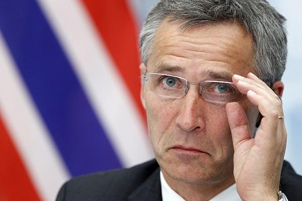 Глава НАТО хочет улучшить отношения с Россией