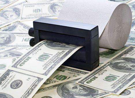 Доллар питается мировым кризисом