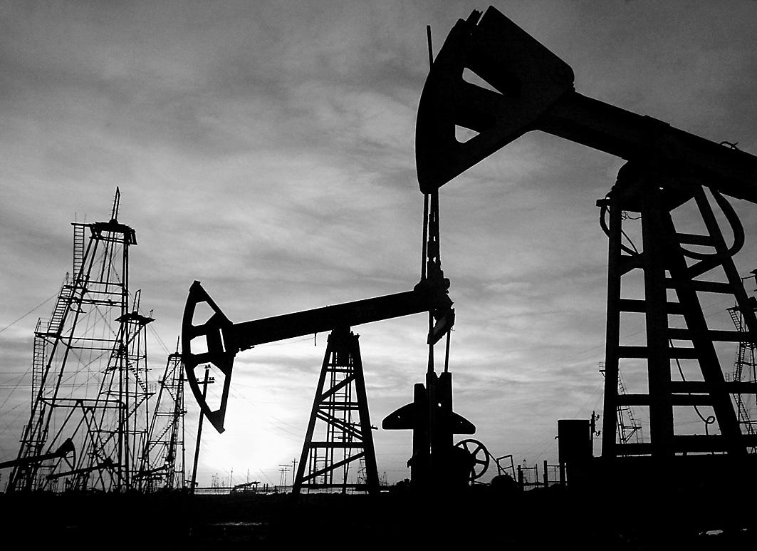 Нефтяное пике или почему дешевеет нефть