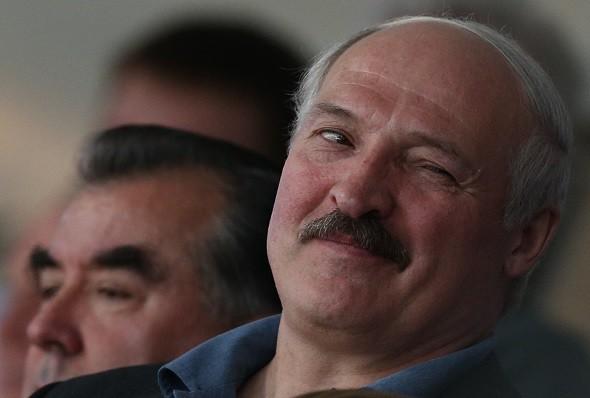 Твердо ли Лукашенко стоит на ногах и владеет ситуацией?