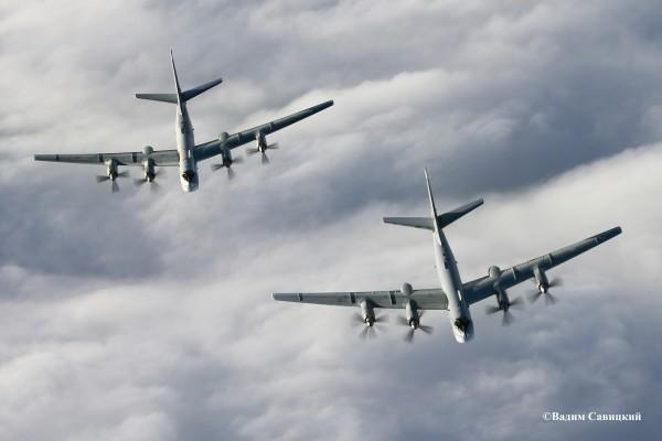 Пилоты российского бомбардировщика сняли на видео стычку с самолетами НАТО
