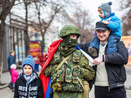 Герои Крымской весны: «вежливые люди», которые не стреляли