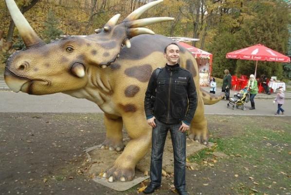 Протоукр Алексей с домашним питомцем.