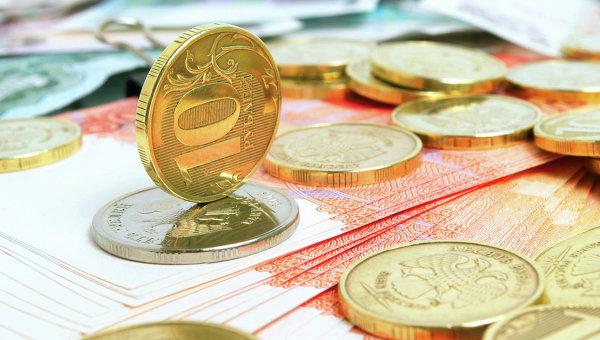 Рубль укрепляется в преддверии налоговых выплат