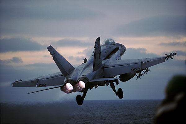 Американские истребители F/А-18C на Тайване - случайность или сигнал?