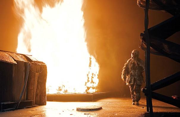 На борту бывшего ДКД Shadwell отрабатываются перспективные технологии борьбы с огнем.