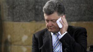 Порошенко вновь рассказал западной прессе о российских военных на Украине