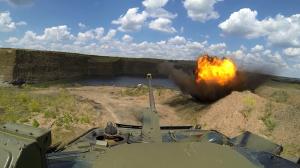 Из жизни Армии ДНР: биатлон БМП