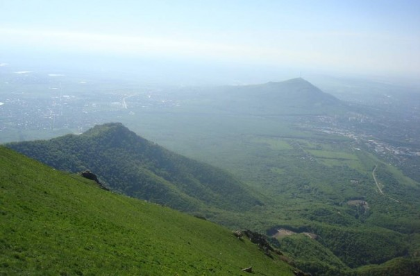 Вид с горы Бештау, рядом с Пятигорском