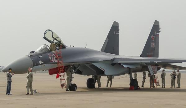 Первым иностранным покупателем Су-35 станет Китай