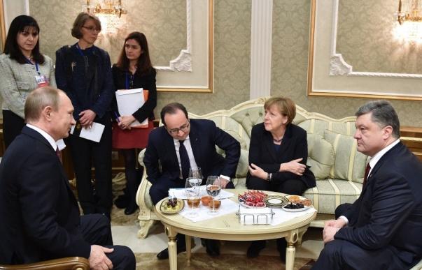 Путин, Меркель, Олланд и Порошенко договорились о встрече в Париже в начале октября