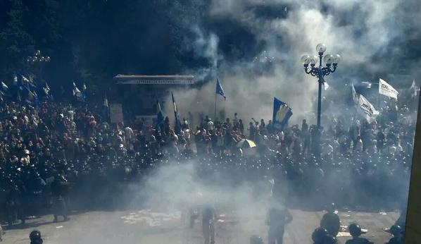 Вопрос статуса Донбасса закрутил украинскую внутриполитическую карусель