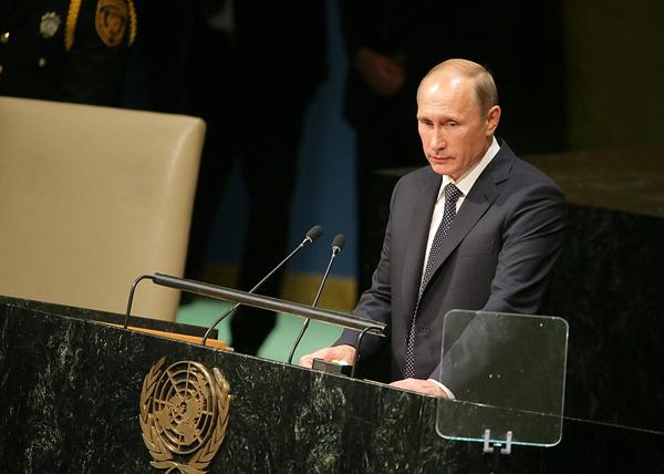 """""""Вы хоть понимаете теперь, чего вы натворили?"""" - Путин увидел, как взращивается """"сетевой Гитлер"""""""