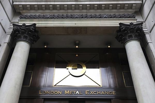Китай и Индия выкупили все золото с Лондонской биржи