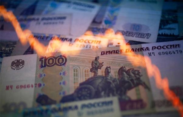 Американские хедж-фонды сделали рекордную ставку на новый обвал рубля
