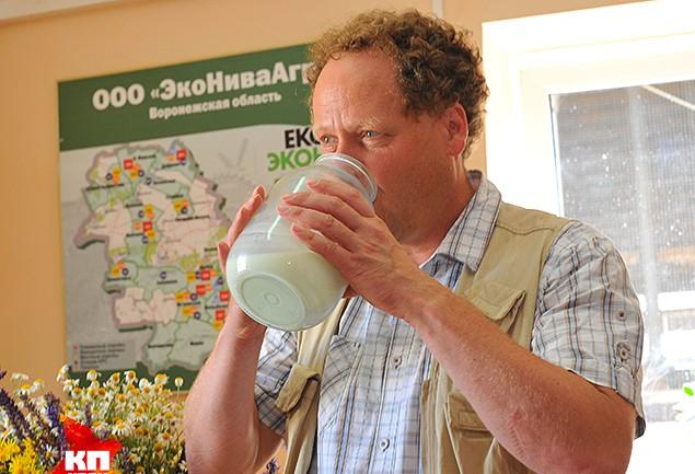 Сегодня он – руководитель крупнейшего в России и Европе предприятия по производству сырого молока – «ЭкоНива»