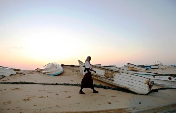 Лодки, обычно используемые для пиратских нападений. Хобьо, северо-восточное побережье Сомали, 4 января 2010 года