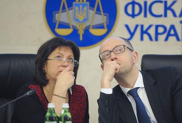 """""""Если снимут Яценюка и поставят Яресько - просто заменят вора на вора"""""""