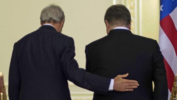 Американский гвоздь в украинский гроб: США сливают Порошенко