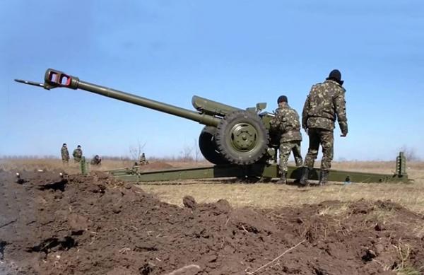 Под Донецком в ход пошли гаубицы и появились иностранцы на машинах с номерами ЕС