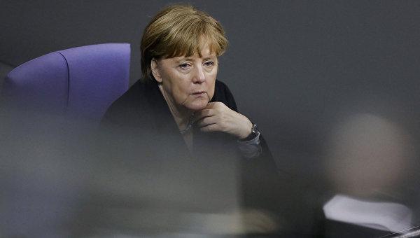 Экс-глава ХСС поставил Меркель ультиматум по беженцам