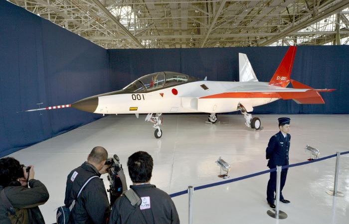 Япония представила свой первый Стелс-истребитель