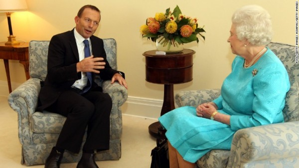 tony-abbott-queen- (1)
