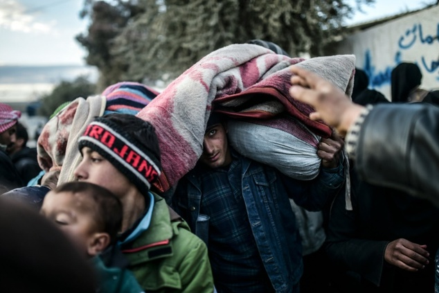 Беженцы в районе турецкой границы
