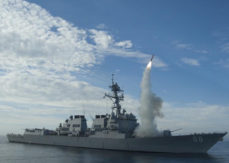 Пуск ракеты Tomahawk с американского эсминца USS Preble (DDG 88)