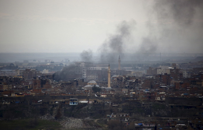 Турецкая артиллерия нанесла удар по позициям курдов в Сирии