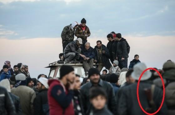 """""""Беженец"""" с автоматом у сирийской границы"""