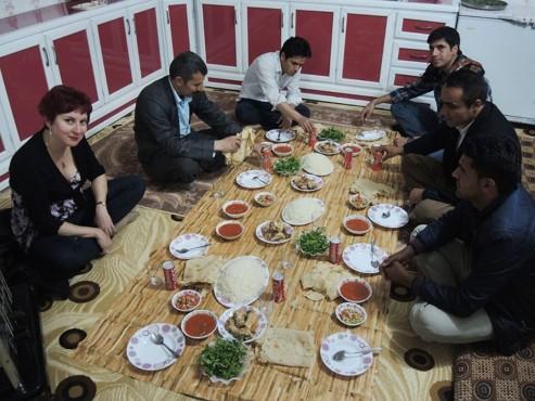 Ужин в курдской семье