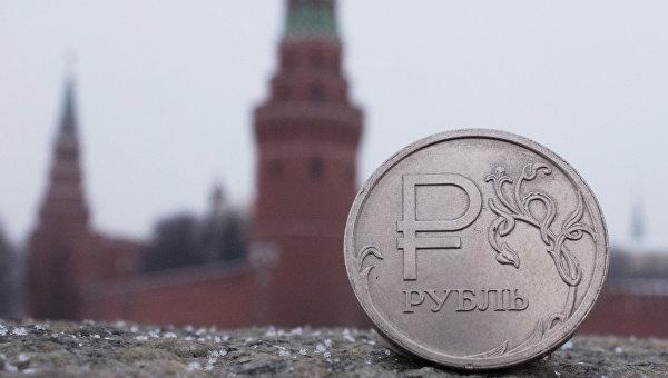 Рубль подозревают в излишней крепости и пособничестве Украине