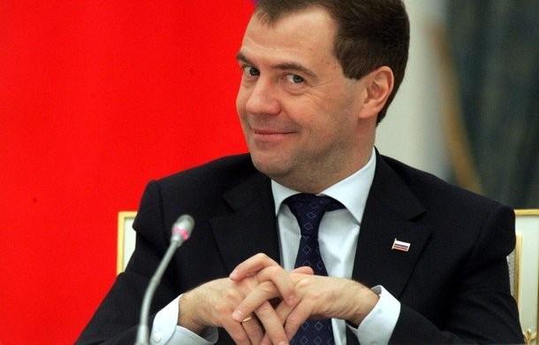 Кто идет на смену Медведеву. Зачем от народа прячут почти 10 трлн. рублей?