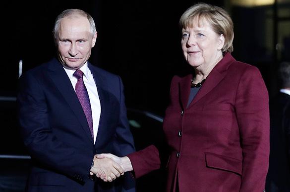 О чем Меркель и Олланд попросили Путина