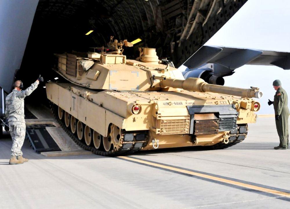 Против кого США накапливают вооружения в Восточной Европе?