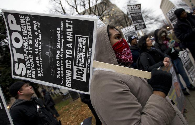 В США прошли акции протеста против планов Трампа в области миграции