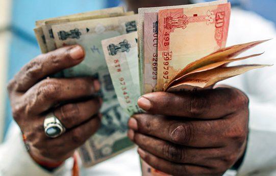 В Индии все в ужасе, или Деньги индийской мафии превратятся в пепел
