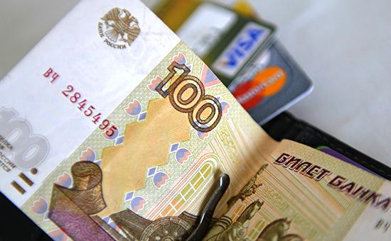 """Наличные берут в заложники, а россиян загоняют в """"банковский концлагерь"""""""