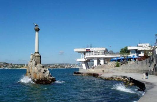 Севастополь: чужой среди своих?