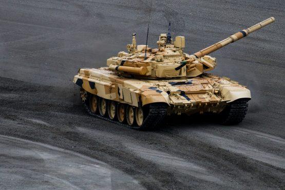 """Монстр для НАТО: российский """"летающий"""" танк Т-90"""