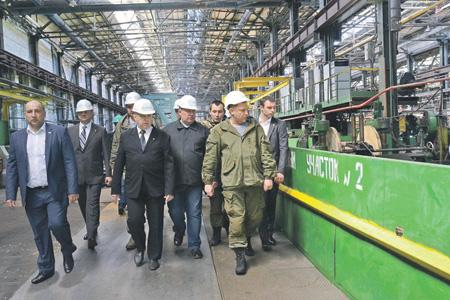 Два завода Донбасса заработали несмотря на блокаду