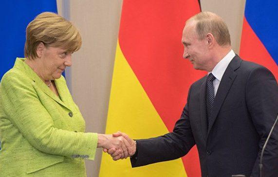 Путин заманил Меркель в Сочи возможностью создания третьего полюса силы