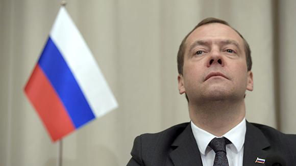Поручения Медведева обернутся издевательствами и закончатся оправданиями
